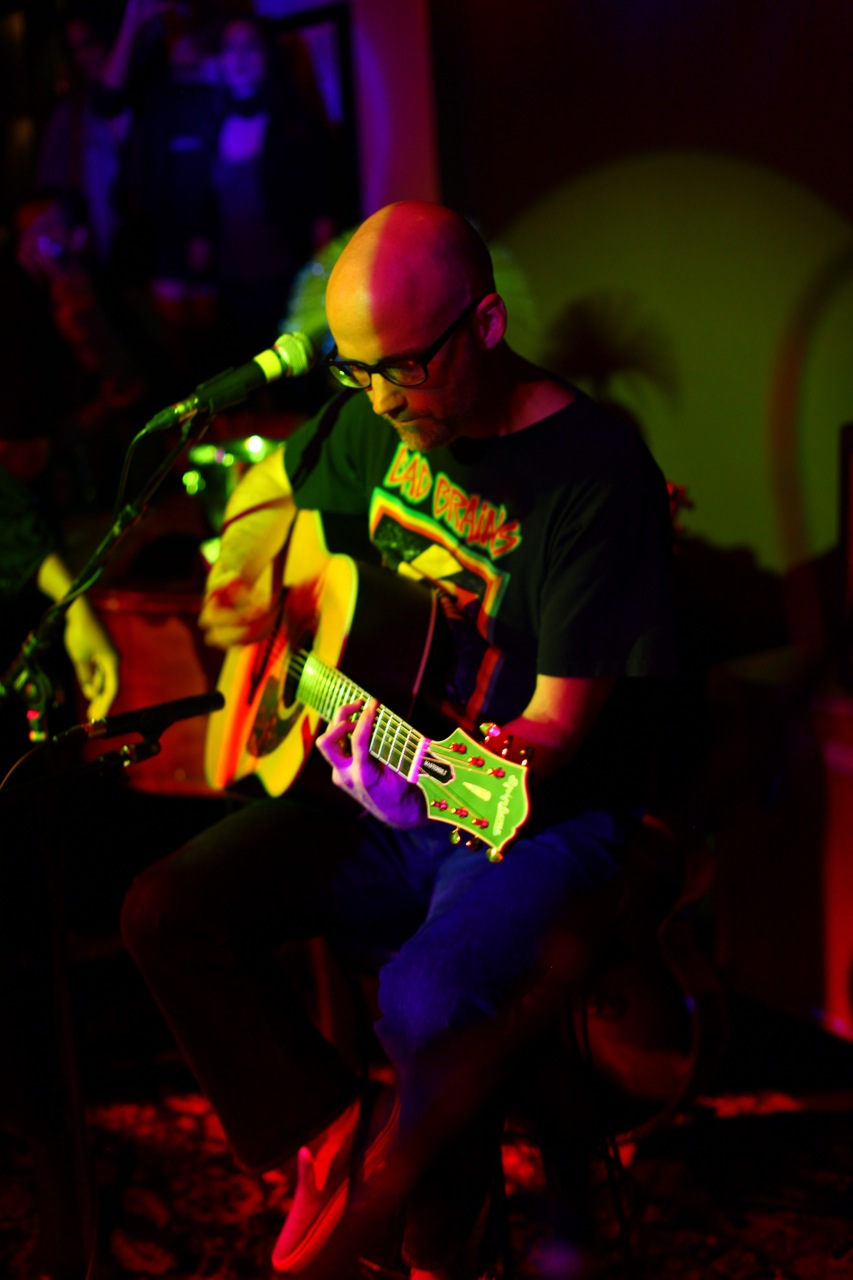 Moby Schools In The Art Of Acoustic
